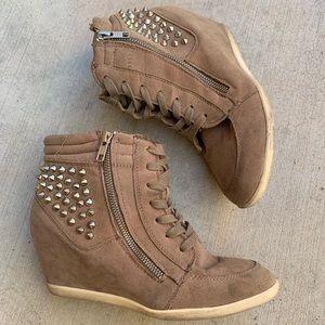 High wedge sneakers ✨